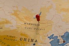 Μια καρφίτσα σε Ulaanbaatar, Μογγολία στον παγκόσμιο χάρτη στοκ φωτογραφίες