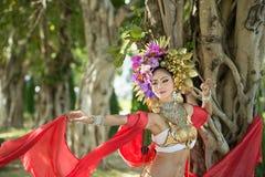 Μια κομψή βόρεια Ταϊλάνδη ChiangMai γυναικών Lanna Στοκ εικόνες με δικαίωμα ελεύθερης χρήσης
