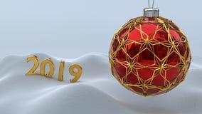 Μια κόκκινη σφαίρα Χριστουγέννων που εσωκλείεται με τις χρυσές διακοσμήσεις 2019 απεικόνιση αποθεμάτων