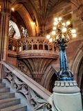 Μια μαγική και μεσαιωνική βιβλιοθήκη Στοκ εικόνες με δικαίωμα ελεύθερης χρήσης