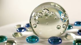 Μια μαγική σφαίρα για divination μπλε κινηματογράφηση σε πρώτο πλάνο σφαιρών γυαλιού φιλμ μικρού μήκους