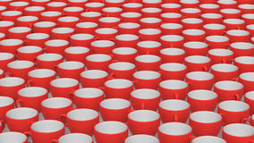 Μια μεγάλη σειρά κόκκινων και άσπρων κεραμικών φλυτζανιών καφέ Στοκ Εικόνα