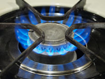 Μια μπλε φλόγα σομπών αερίου τοπ. στοκ φωτογραφίες