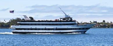 Μια ναυαρχίδα ταξιδεύει το γιοτ, πνεύμα του Σαν Ντιέγκο στοκ εικόνα με δικαίωμα ελεύθερης χρήσης