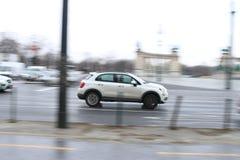 Μια οδήγηση αυτοκινήτων μέσω της Βουδαπέστης Στοκ Φωτογραφίες