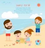 Μια οικογένεια στην παραλία οικογένεια παραλιών Στοκ εικόνες με δικαίωμα ελεύθερης χρήσης