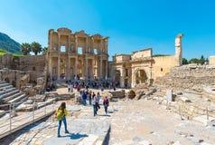 Μια ομάδα τουριστών σε Ephesus Τουρκία στις 13 Απριλίου 2015 Στοκ φωτογραφία με δικαίωμα ελεύθερης χρήσης