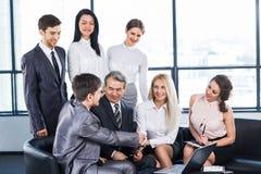 Μια ομάδα επιχειρηματιών Στοκ φωτογραφία με δικαίωμα ελεύθερης χρήσης