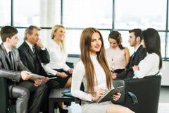 Μια ομάδα συζήτησης επιχειρηματιών Στοκ φωτογραφία με δικαίωμα ελεύθερης χρήσης