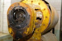 Μια παλαιά και σκουριασμένη εγκαταλειμμένη ηλεκτρική αντλία εγκαταλειμμένη Στοκ φωτογραφία με δικαίωμα ελεύθερης χρήσης