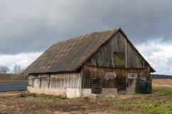 Μια παλαιά εγκαταλειμμένη σιταποθήκη Στοκ φωτογραφίες με δικαίωμα ελεύθερης χρήσης