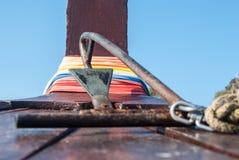Μια πολύ παλαιά άγκυρα σε μια βάρκα, Ταϊλάνδη Στοκ Φωτογραφίες