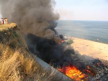 Μια πυρκαγιά σε ένα στρατόπεδο υπολοίπου κοντά στην Οδησσός στοκ φωτογραφίες
