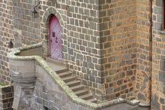 Μια πόρτα σε Pontgibaud Στοκ φωτογραφία με δικαίωμα ελεύθερης χρήσης