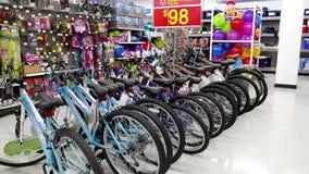 Μια πλευρά της χαμηλής τιμής ποδηλάτων καθημερινά απόθεμα βίντεο