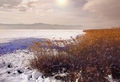 Μια ρομαντική και ονειροπόλος ανατολή - χιονώδες τοπίο στοκ φωτογραφία με δικαίωμα ελεύθερης χρήσης