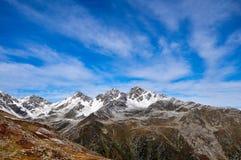Μια σειρά βουνών στις Άλπεις Στοκ εικόνα με δικαίωμα ελεύθερης χρήσης