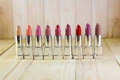Μια σειρά πολύχρωμων κραγιόν Στοκ Εικόνα