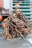Μια σκουριασμένη μεγάλη αλυσίδα για μια μεγάλη βάρκα στοκ φωτογραφία με δικαίωμα ελεύθερης χρήσης