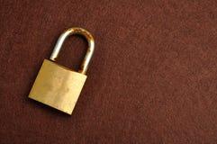 Μια σκουριασμένη παλαιά κλειδαριά μαξιλαριών Στοκ εικόνα με δικαίωμα ελεύθερης χρήσης