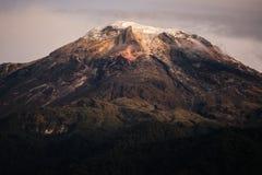 Μια στενή άποψη Nevado del Tolima Μια από τις λίγες επιλογές χιονιού στην Κολομβία στοκ φωτογραφίες