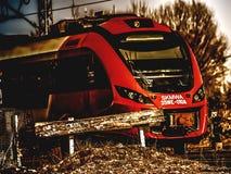 μια σύγχρονη ατμομηχανή σιδηροδρόμων πόλεων στοκ εικόνες με δικαίωμα ελεύθερης χρήσης