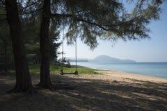Μια ταλάντευση στην παραλία Στοκ φωτογραφία με δικαίωμα ελεύθερης χρήσης