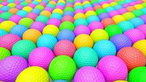 Μια τεράστια δονούμενη σειρά ζωηρόχρωμων σφαιρών γκολφ Στοκ φωτογραφία με δικαίωμα ελεύθερης χρήσης