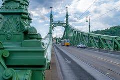 Μια τροχιοδρομική γραμμή στη γέφυρα ελευθερίας στη Βουδαπέστη, Ουγγαρία στις 20 Σεπτεμβρίου Στοκ φωτογραφίες με δικαίωμα ελεύθερης χρήσης