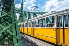 Μια τροχιοδρομική γραμμή στη γέφυρα ελευθερίας στη Βουδαπέστη, Ουγγαρία στις 20 Σεπτεμβρίου Στοκ Φωτογραφία