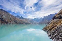 Μια φθινοπωρινή σκηνή στην αμοιβή Ελβετία Saas στοκ φωτογραφίες