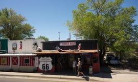 Μια φοβιτσιάρης πόλη κατά μήκος της διάσημης διαδρομής 66 στην Αμερική στοκ εικόνα με δικαίωμα ελεύθερης χρήσης