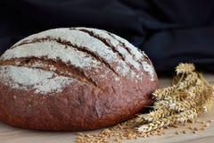 Μια φραντζόλα του φρέσκου ψωμιού Στοκ φωτογραφίες με δικαίωμα ελεύθερης χρήσης