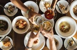 Μια φρυγανιά πέρα από ένα γεύμα Στοκ φωτογραφία με δικαίωμα ελεύθερης χρήσης