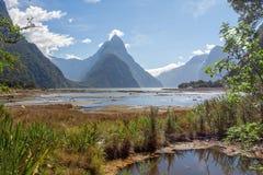 Μια φυσική άποψη του ήχου Milford διαδρομή της Νέας Ζηλανδίας †στη «Milford - συνδέστε λοξά την αιχμή Στοκ φωτογραφία με δικαίωμα ελεύθερης χρήσης