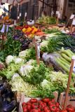 Μια φωτογραφία μιας αγοράς Vucciria οδών τροφίμων στη Σικελία, Ιταλία - 10 09 2017 Στοκ φωτογραφίες με δικαίωμα ελεύθερης χρήσης