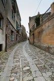 Μια χαρακτηριστική αλέα της μοναδικής χώρας Μεσαίωνα κάλεσε Erice, π στοκ φωτογραφία