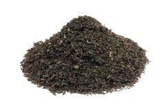 μια χούφτα του μαύρου φύλλου τσαγιού στοκ φωτογραφία