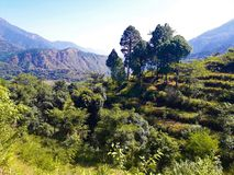 Μια όμορφη άποψη των πράσινων βουνών στοκ εικόνες