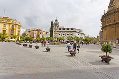 Μια όμορφη άποψη Plaza Virgen de Los Reyes στη Σεβίλη, Στοκ Φωτογραφίες