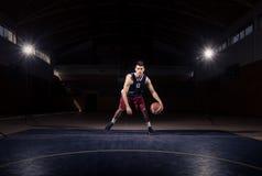 Μια dribble παίχτης μπάσκετ σφαίρα στοκ φωτογραφία με δικαίωμα ελεύθερης χρήσης