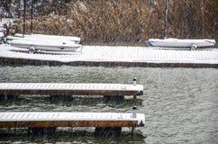 Μια sailboat ` s αποβάθρα στη χιονοθύελλα Στοκ εικόνα με δικαίωμα ελεύθερης χρήσης