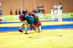 Μιγάς ή μόνος-υπεράσπιση χωρίς όπλα. Κορίτσια ανταγωνισμών… … Στοκ φωτογραφίες με δικαίωμα ελεύθερης χρήσης