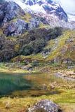 Μικρά λίμνη και βουνό στο Περού Στοκ Φωτογραφία