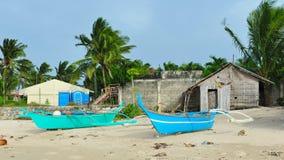 Μικρά αλιευτικά σκάφη στην παραλία του νησιού Bantayan Στοκ Εικόνες
