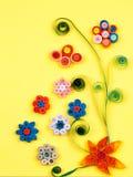 Μικρά, ζωηρόχρωμα λουλούδια εγγράφου Στοκ Φωτογραφία