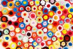 Μικρά, ζωηρόχρωμα λουλούδια εγγράφου Στοκ Εικόνες