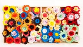 Μικρά, ζωηρόχρωμα λουλούδια εγγράφου Στοκ εικόνα με δικαίωμα ελεύθερης χρήσης