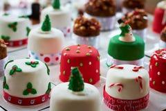 Μικρά κέικ Χριστουγέννων Στοκ φωτογραφίες με δικαίωμα ελεύθερης χρήσης