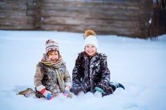 Μικρά κορίτσια ευτυχή Στοκ φωτογραφία με δικαίωμα ελεύθερης χρήσης